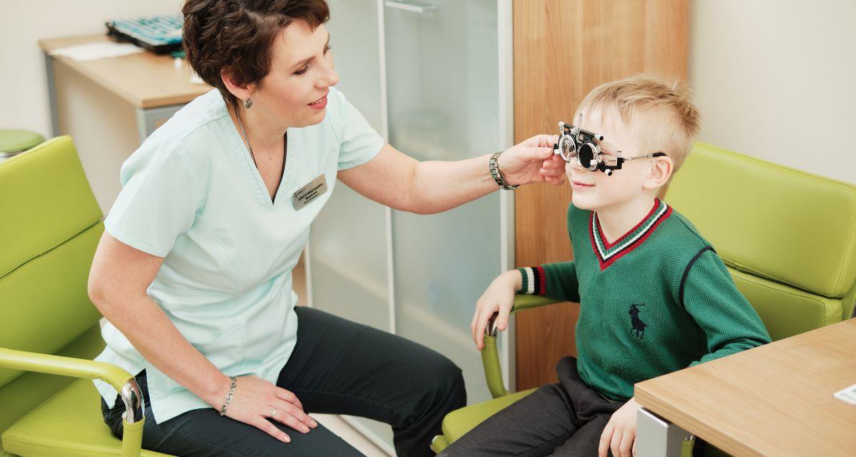 Ночные линзы: как ребенку идеально видеть днем без линз и без очков?